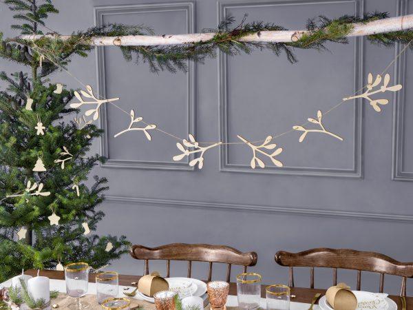 Wooden Mistletoe hanging Banner